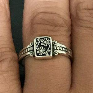 Jewelry - Sterling Silver Scroll Flower Ring